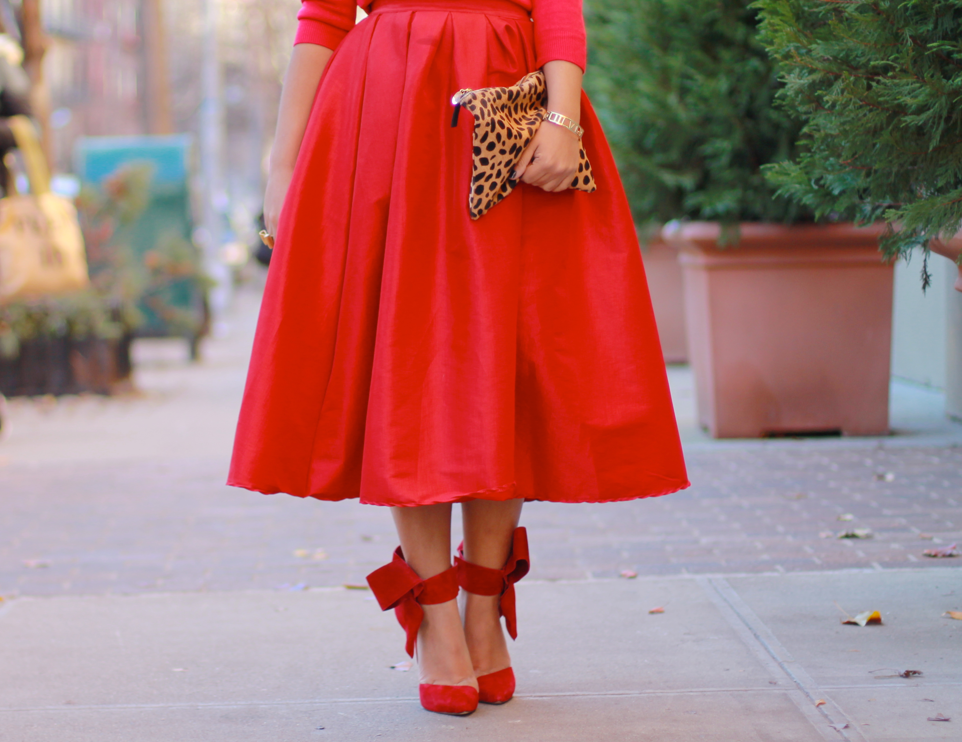 red dress red shoes red skirt red outfit holiday outfit red midi skirt full red midi skirt red midi skirt full midi skirt midi skirt red blogger look all red blogger look red look red outfit red style all red blogger look black fashion blogger black fashion blogger fashion blogger red bow shoes big red bow holiday look what to wear t