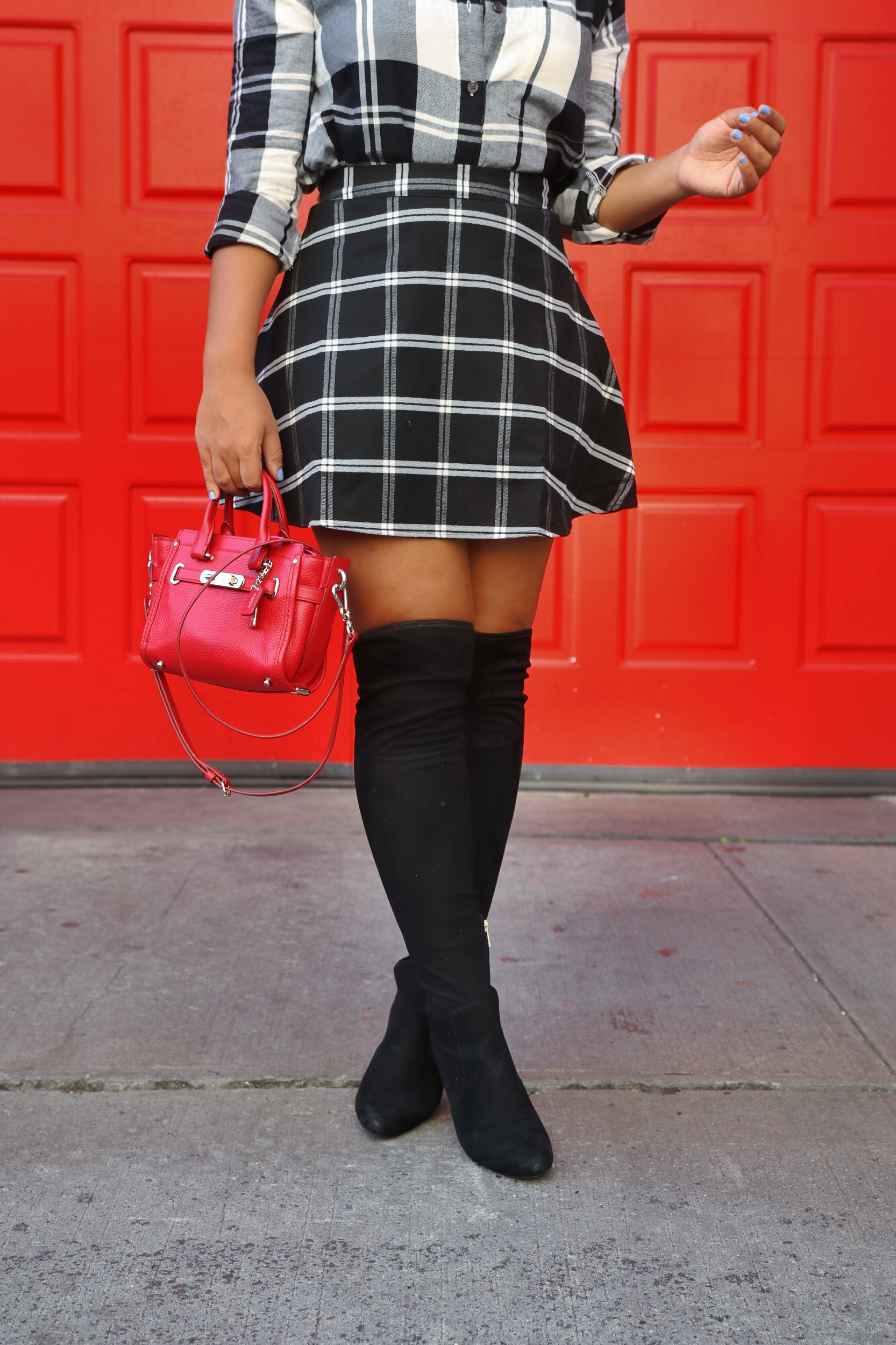 Over The Knee Boots! Fall style by Color Me Courtney (@colormecourtney) // Black & white that's not borring for fall #plaid #overthekneeboots #otkboot #patternmixing #blackandwhite