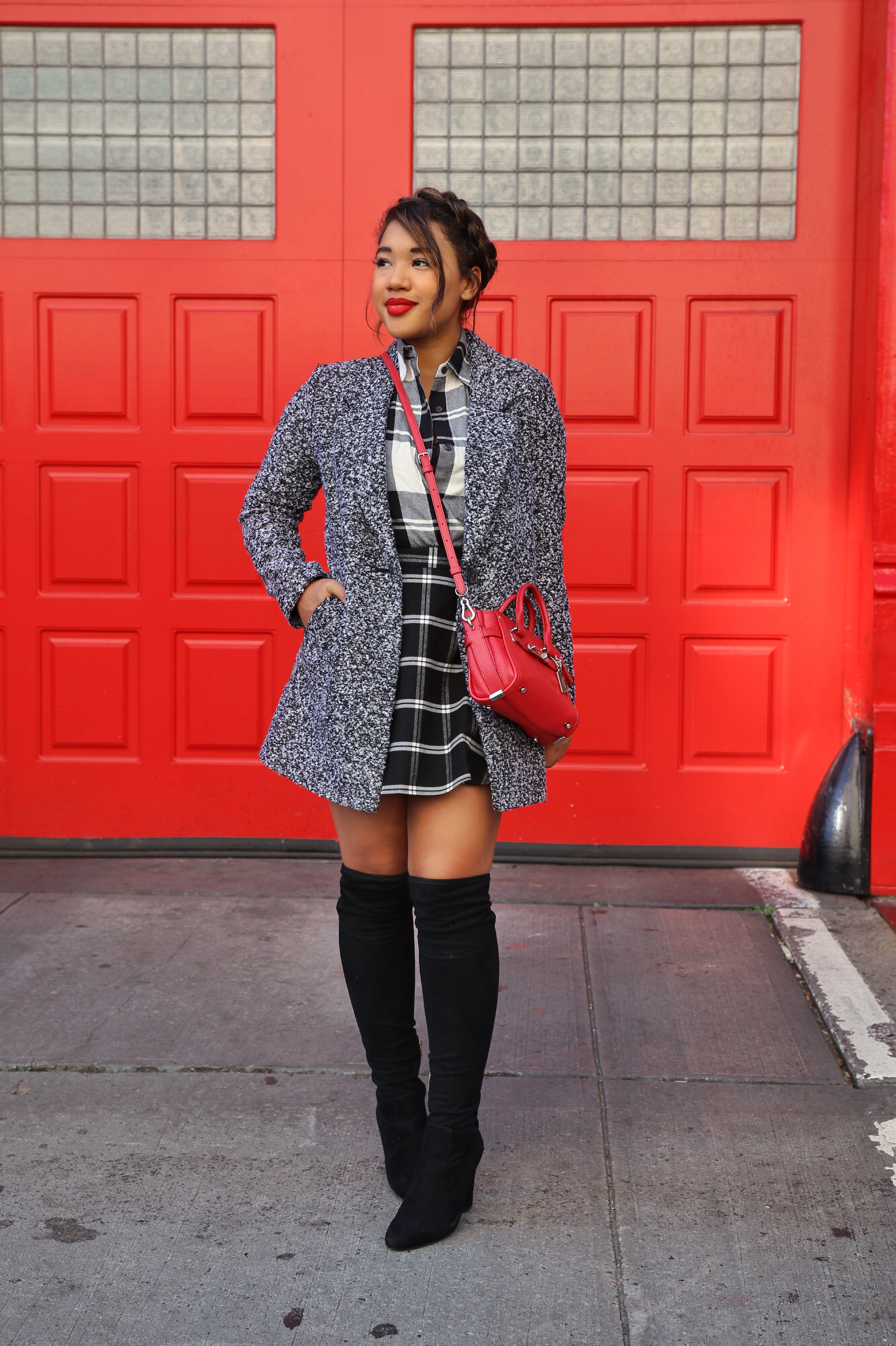 Over The Boots with plaid! Fall style by Color Me Courtney (@colormecourtney) // How to wear plaid for fall #plaid #overthekneeboots #otkboot #patternmixing #blackandwhite